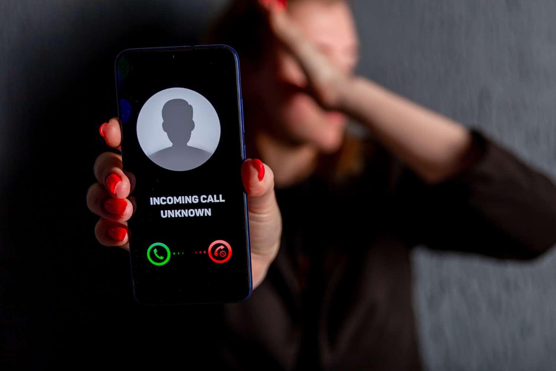 Retrouver une personne avec son numéro de portable gratuitement : Comment faire ?